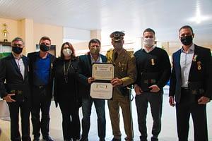 ACIBr recebe medalhas comemorativas do 18º Batalhão de Polícia Militar