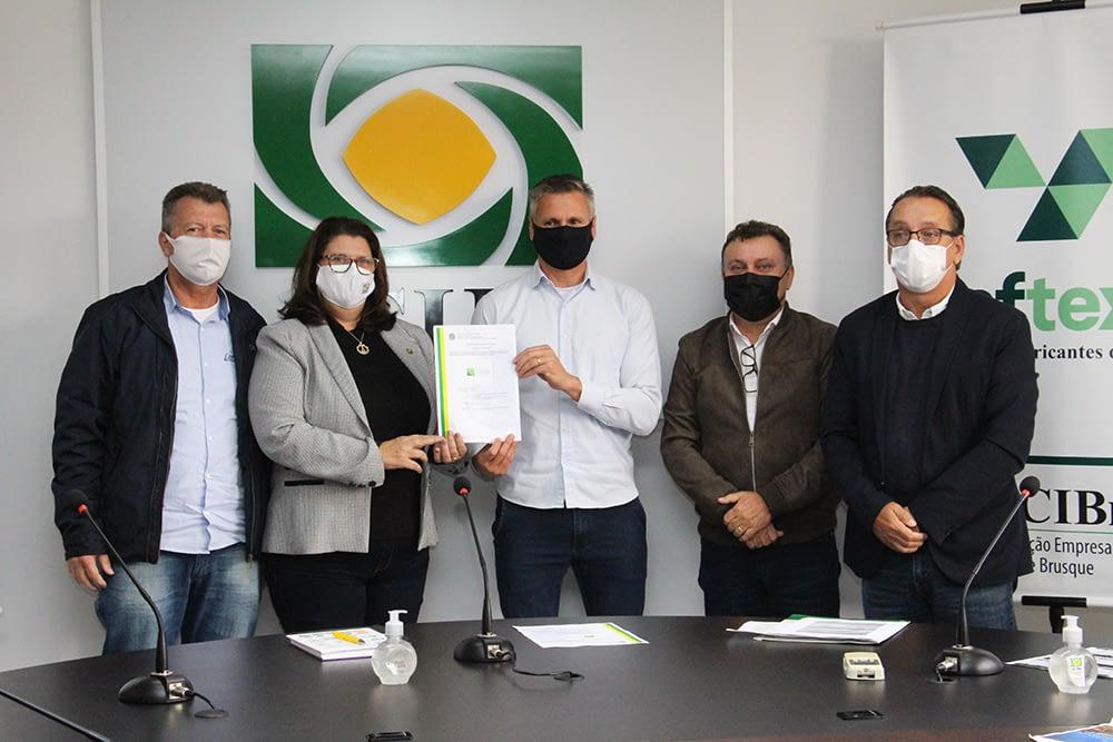 Marca coletiva 'Vale das Toalhas' é lançada em Brusque